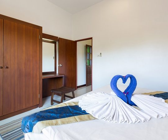 http://lepimanresort.com/wp-content/uploads/2016/03/7-Deluxe-Villa-lepiman-room2-06w-1-540x450.jpg